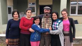 Çobanlıqla 7 qızını oxudan ata - FOTO/VİDEO