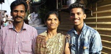 Hindistanda gender bərabərliyini öyrənən oğlanlar
