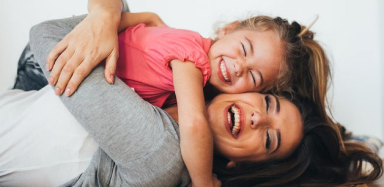 Uşaqlarınıza nə qədər çox sarılsanız o qədər çox  ağıllı olarlar. Araşdırma